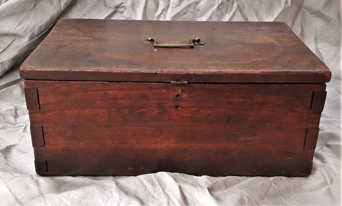 A wooden document box. - Iron (cast/wrought), Wood