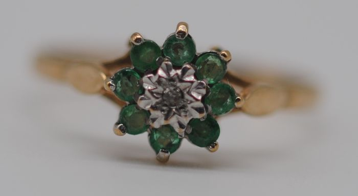 Emerald (0.16ct)& Diamond  - 9K Yellow gold - Ring