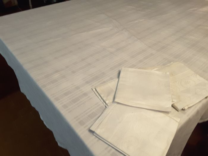 tablecloth and napkins (7) - Cotton - Late 20th century