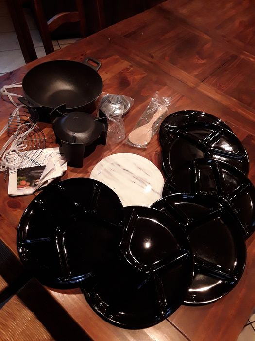 Fondue set for 6 people enamelled cast iron for meat. (1) - Cast iron ceramic marble