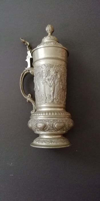 Jug (1) - Pewter/Tin