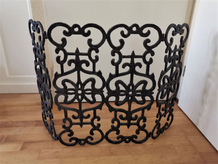 cast iron fireplace screen (1) - Iron (cast/wrought)