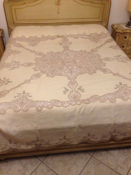 hand-embroidered double bedspread lace cantù - Linen - 20th century