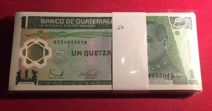 Guatemala - 1 Quetzal 2006 - Pick 109 - original bundle