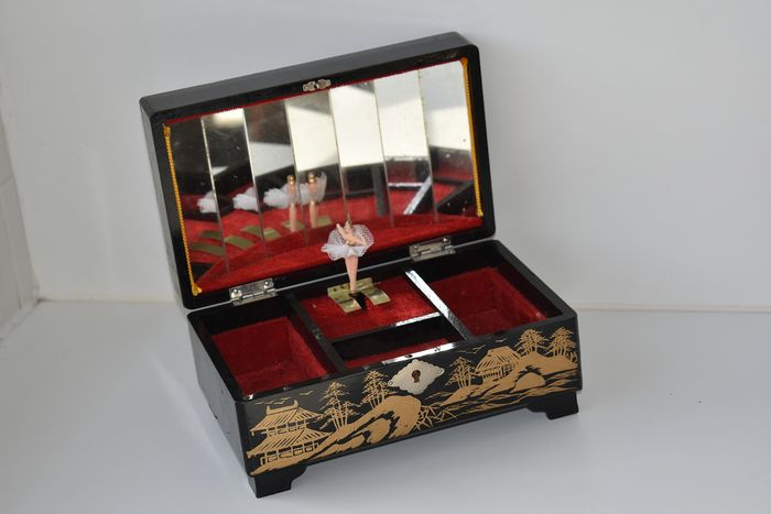 Lady Mate handpainting - Toyo - jewelry / music box with ballerina (1) - lacquer wood, mirror glass, plastic