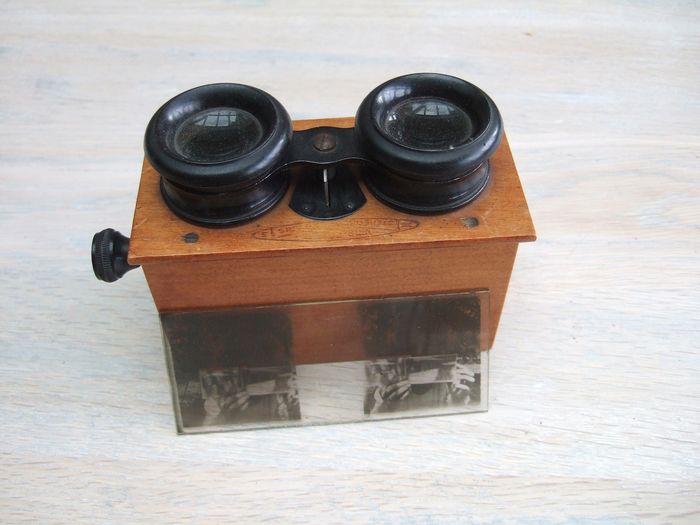 Stereo viewer - Alloy, Bakelite, Wood
