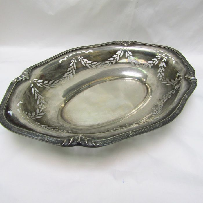 Fruit bowl - .915 silver - 625 gr. - Spain - Early 20th century