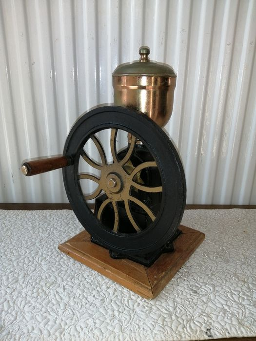 coffee grinder (1) - Iron (cast/wrought), Wood