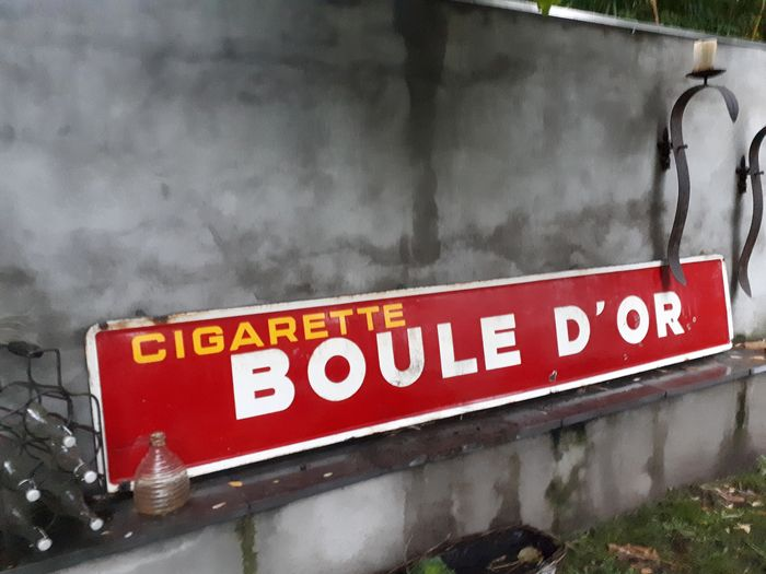 Cigarette Boule d'Or. - Emaille
