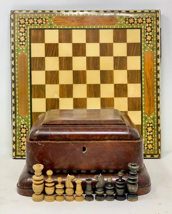 Chess Regence, Box and Board - Regency - Wood