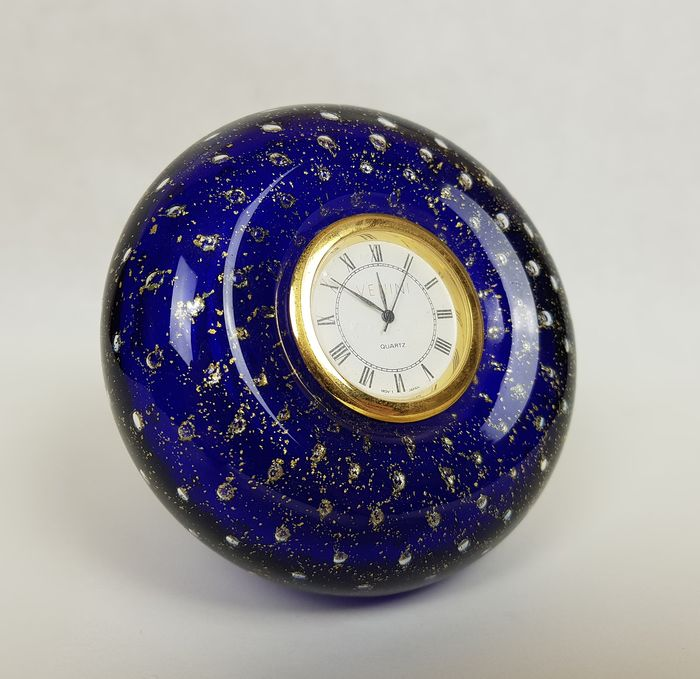 Venini - Murano - Blue glass desk clock and gold leaf bubbles