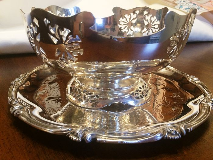 Vintage fruit bowl and tray (2) - Silverplate
