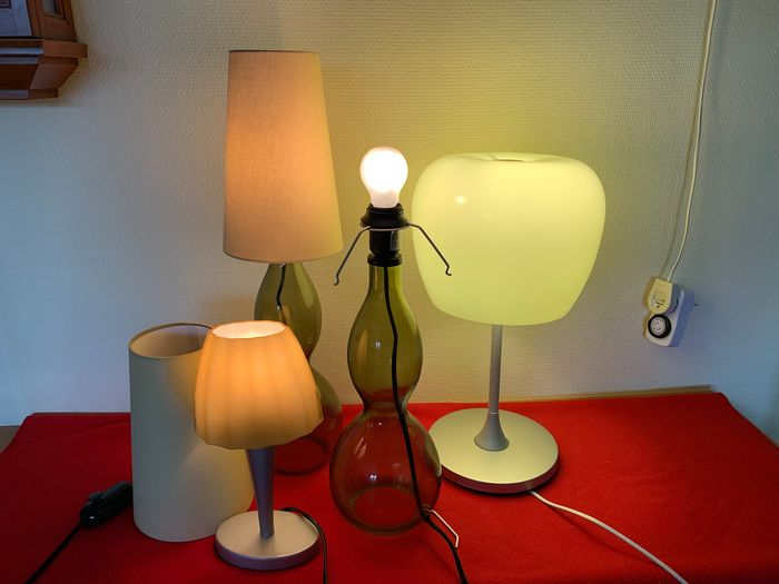 4 table lamps (4) - glass, metal and fabric