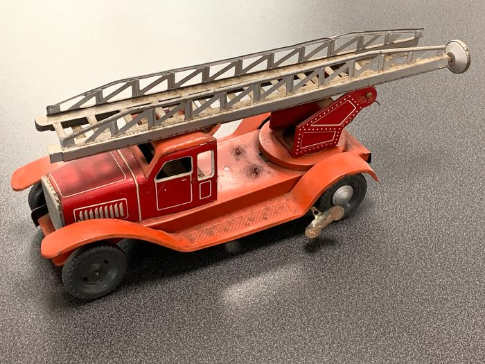Distler - Clockwork operated - Fire brigade Brandweer Ladderwagen - 1950-1959 - U.S. zone Germany
