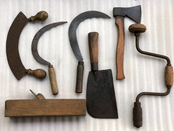 set of 7 pieces of equipment - Iron (cast/wrought), Wood