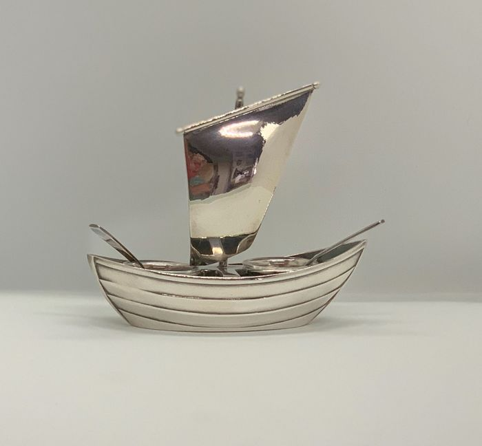 Gallia pour Christofle - Sailboat salt shaker - silver plated