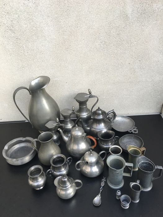diverse tingieters - collection of pewter objects - Pewter/Tin