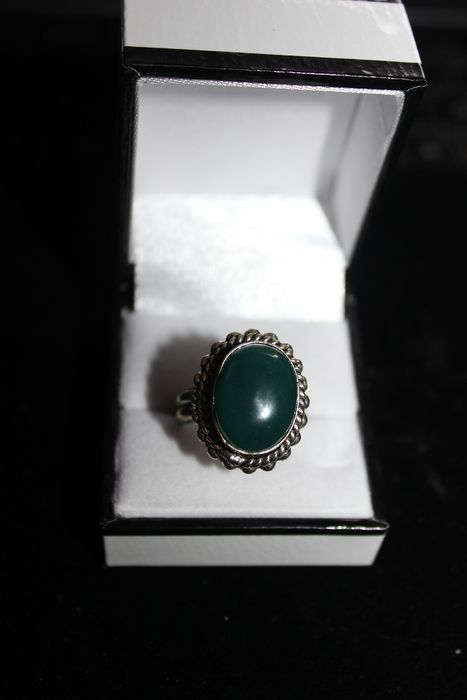 925 Silver - Ring with Imposing Cabochon Jade
