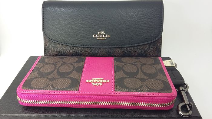 2 Coach  Signature Wallets Set With Keyring In Box***