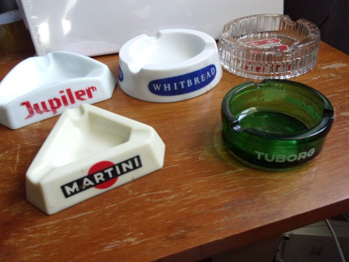 set of five advertising ashtrays - Ceramic, Earthenware, Glass