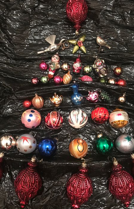 Old balls and Christmas figurines blown glass and decorated hands - Glass