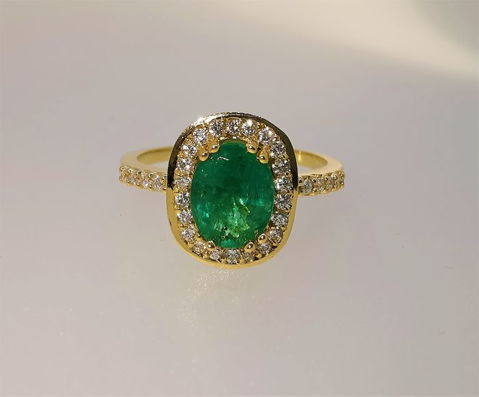 18 kt. Yellow gold - Ring - 1.28 ct Emerald - Diamonds