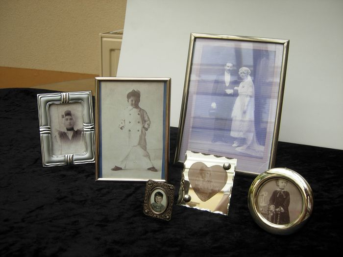 Lot of silver-plated photo frames. - Silver plated.