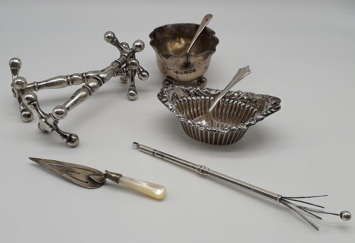 Selection of Silver Items (5) - Silver