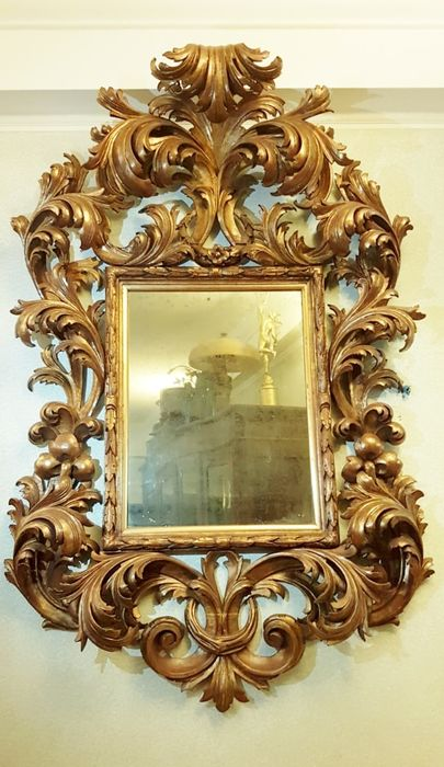 Ebanista - Frame and mirror - probably Rome - scrolled acanthus - Limewood