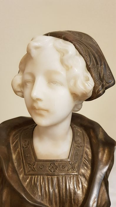 Gustave Van Vaerenbergh (1873–1927) - sculpture, female bust - bronze and alabaster - late 19th century