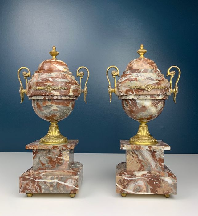 Pair of French marble casolettes - Bronze (gilt), Marble - Ca. 1900