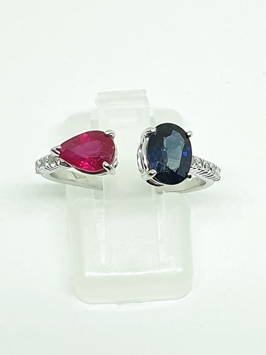 18 kt. White gold - Ring - 1.72 ct Sapphire and ruby - Diamond
