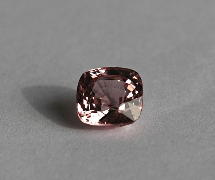 Roze Spinel - 3.04 ct