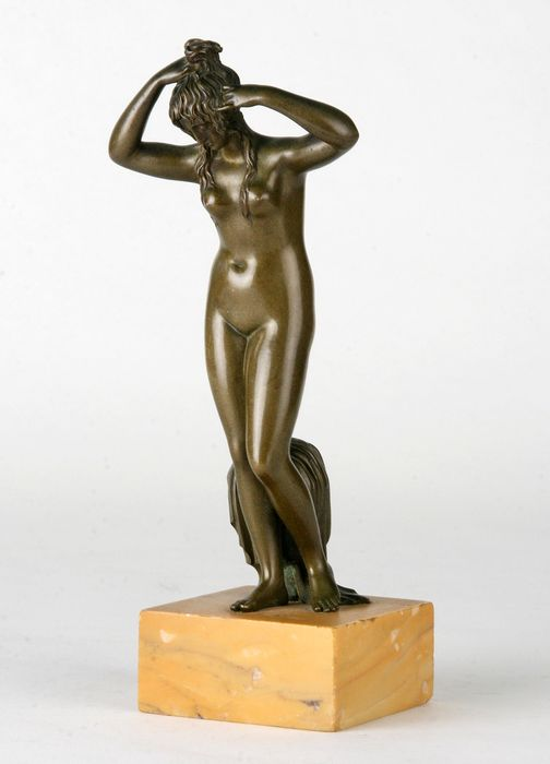 Image Aphrodite - Bronze (patinated), Marble - 1890-1900