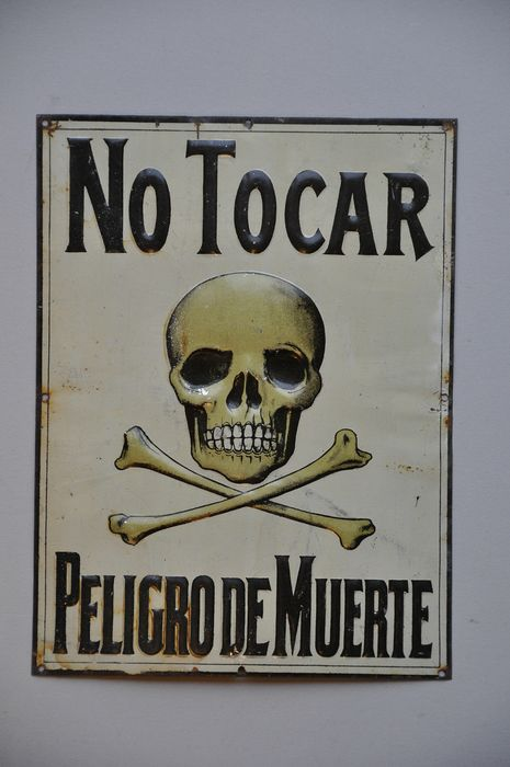 TOTENKOPF - NO TOCAR - Sign - Steel