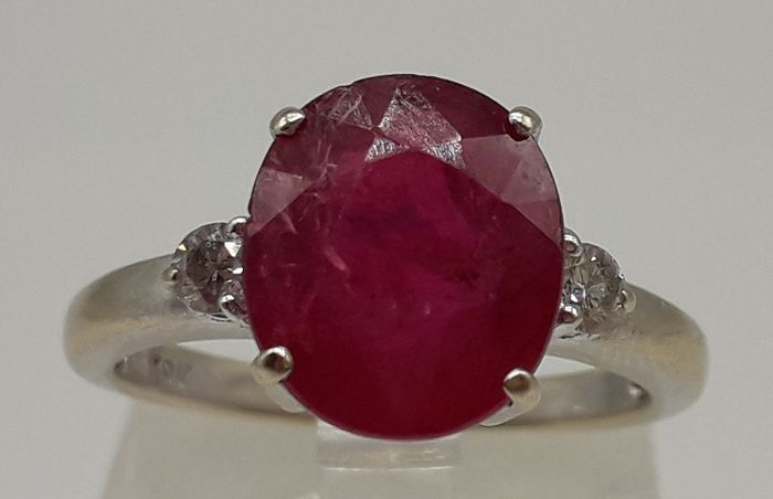 Natural Ruby (3.40ct) & Diamond (0.10ct) - 18 kt. White gold - Ring