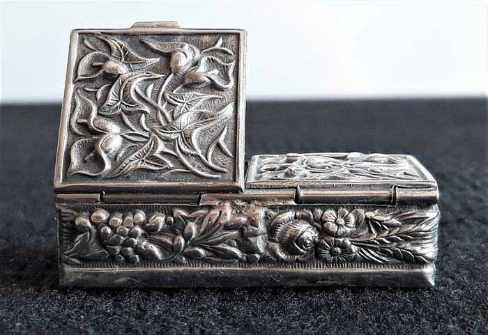 Stamp box - Art Nouveau - Silver plated