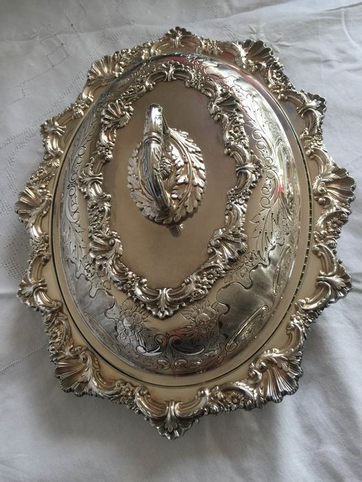 Sheffield  - Antique silver-plated Cloche dish / main dishware marked (1) - Victorian Style - Silverplate