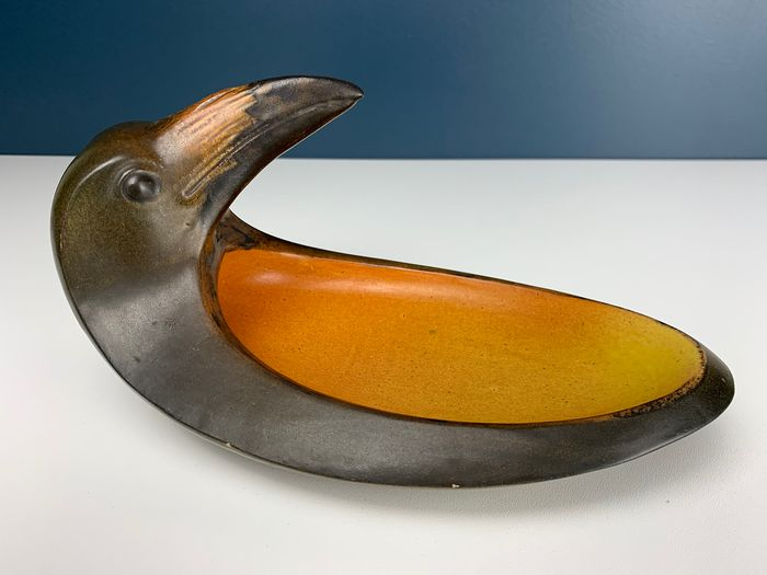Art Nouveau Vide Poche with Raven by Niels Nielsen for P. Ipsen - Denmark - 1903