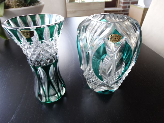 Val Saint Lambert - Vase, Two green vases from the 1960s (2) - Crystal