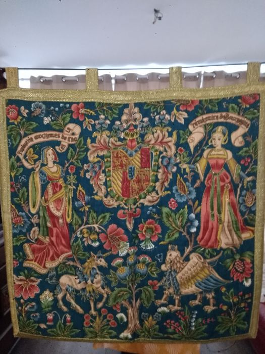 Armorial tapestry, Historical tapestry, reproduction of a tapestry representing charles le temeraie duke of burgundy (1) - Medieval Style - Linen, Silk - late XX th