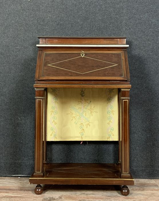 Writing desk with a mahogany screen and brass threads - Directoire style - Mahogany - 19th century