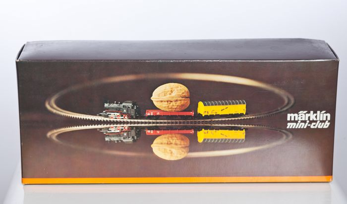 Märklin Z - 8909 S - Train set - with steam locomotive BR89, 2 freight cars, rails & transformer - DB