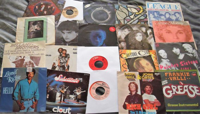 Famous Artists and Bands from the 70's and 80's - Multiple artists - Multiple titles - 45 rpm Single - 1978/1989
