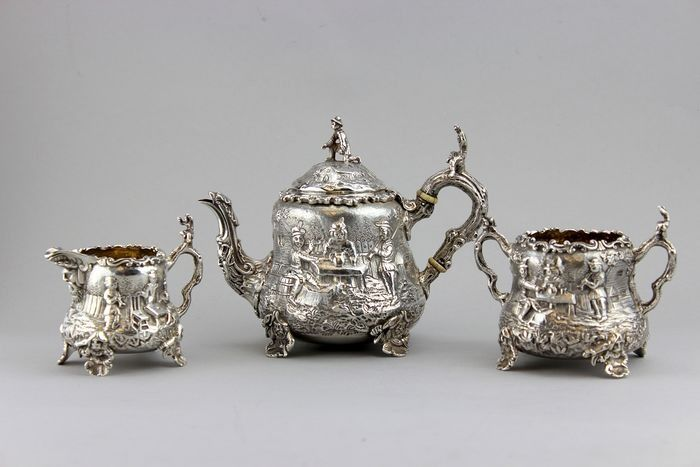 A Fine Victorian Bachelor 3-Piece Tea Set, Charles Stuart Harris, London - .925 silver - Charles Stuart Harris, London - England - 1886