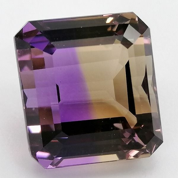 Purple and brownish yellow Ametrino - 9.81 ct