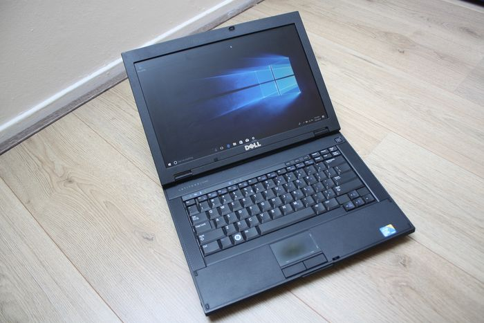 Dell Latitude E5400 - Intel Core2Duo 2,53 Ghz, 4 GB RAM, 320 GB HDD, Windows 10 - met oplader