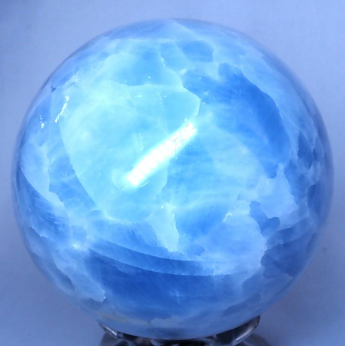 First Quality Blue Calcite Sphere - 118.72×118.72×118.72 mm - 2453 g
