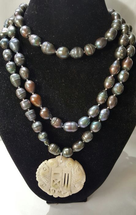 Buddhist amulet and necklace - freshwater pearls and agate