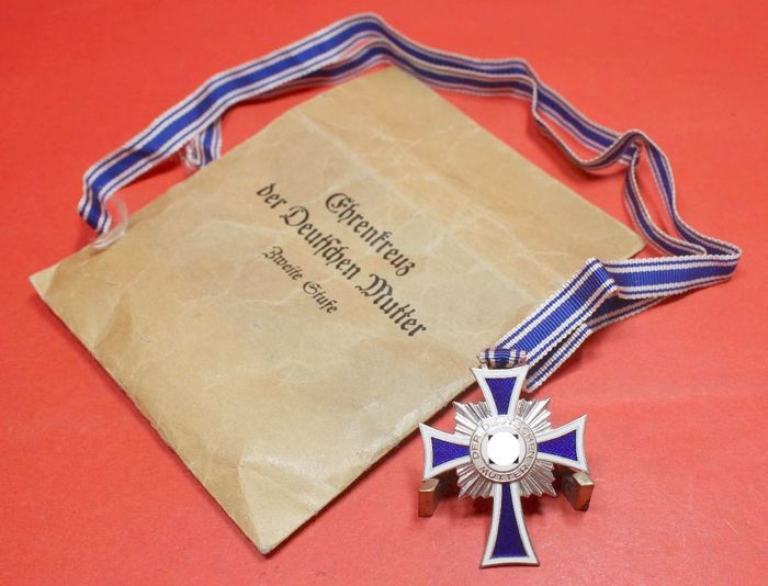 Germany - Manufacturer Hammer & Sons, Geringswalde - Mother's Cross in Silver in Bag with Ribbon - Mint Condition - 1940